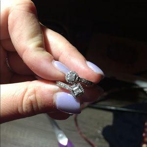 Pandora Ring Size 5 (50) Missing 2 stones
